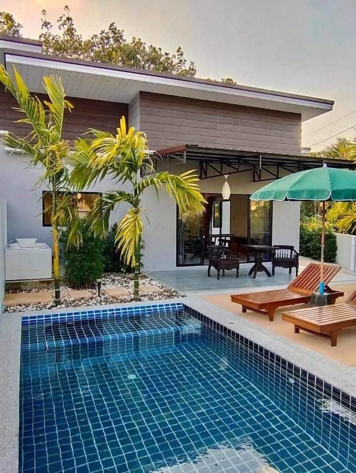 3 bedrooms house with private pool near UWC international school (Thanyapura), car park for 1 car